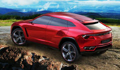 lamborghini urus suv crossover features 670 hp plug-in hybrid engine